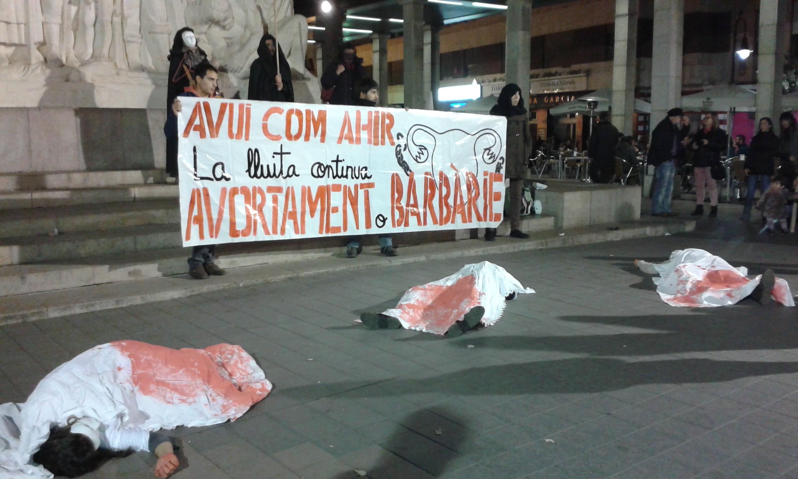 Imagen de la Concentración en Castellón por el aborto libre