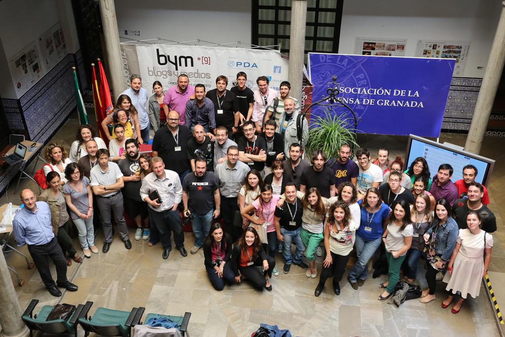 Foto de Familia de Blogs y Medios by @wicho